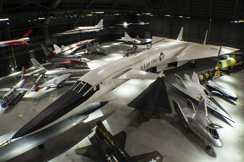 http://moviecollectoroh.com/pics_to_hotlink_on_TCM/AF-museum-XB70-Valkyrie.JPG