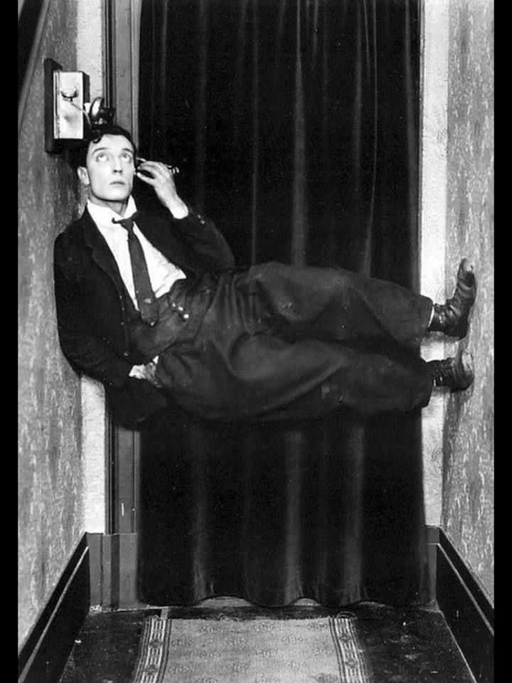 http://moviecollectoroh.com/pics_to_hotlink_on_TCM/Buster-Keaton-on-phone.jpg